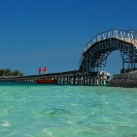 TIDUNG LOVE BRIDGE ISLAND