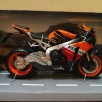 Diecast Miniatur Motor Honda CBR 1000RR Fireblade Repsol Asli Ori