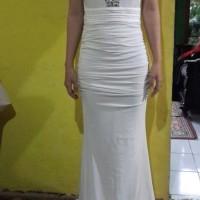 gaun pesta glamour white