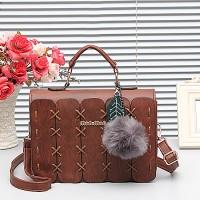 Urban Tas Fashion Import /Tas selempang wanita C08176 Plus pompom - Co