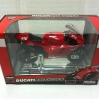 Saico 1/16 Diecast Moto GP DUCATI DESMOSEDICI SETE GIBERNAU #15 (2006)