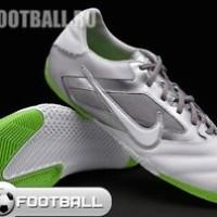 Nike Elastico Pro INDOOR FUTSAL Soccer Shoes EUR 42 / US 8.5 415121-11