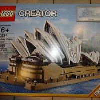 Brand New and Sealed! LEGO Creator Expert 10234 Sydney Opera House
