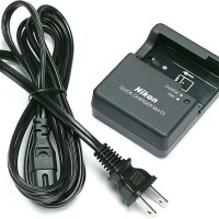 batere , batre , baterai , battery Charger Nikon MH-23 for