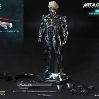 Hot Toys 1/6 VGM17 Metal Gear Rising Revengeance Raiden Action Figure
