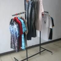Rak Gantungan Baju Display Toko