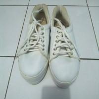 Jual sepatu sneaker edberth size 39 Murah