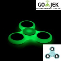 Jual Fidget Spinner Hand Toys Mainan 3 arms - Biru Hijau Glow in the dark Murah