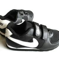 sepatu sekolah hitam anak SD merk nike