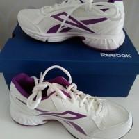 sepatu kets / sepatu reebok / sepatu olahraga / sepatu wanita murah