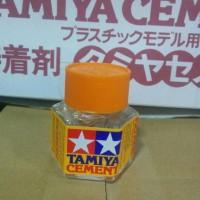 Lem Tamiya ( Tamiya Cement )