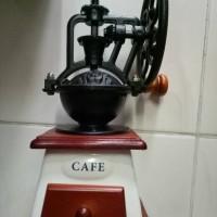 Jual coffee grinder penggiling kopi besi hitam body keramik gambar kincir Murah