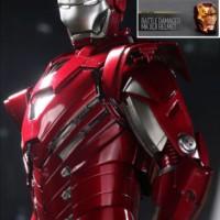 Hot Toys MMS213 1/6 Iron Man 3 Mark 33 XXXIII Silver Centurion Special