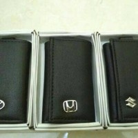 Dompet STNK dan Gantungan Kunci Logo Mobil Honda Toyota