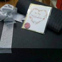 Gift Box Kotak Kado. Paket Promo