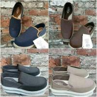 Jual Sepatu Pria Crocs Santa Cruz Deluxe Premium Murah