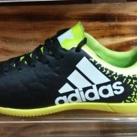 sepatu futsal spesil size 38