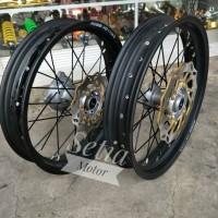 harga Velg Super Moto Klx Ring 17 Paket Tromol Cakram Jari Jari Satu Set Tokopedia.com