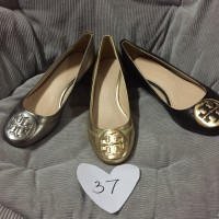 tory burch metallic sally wedge gold / black