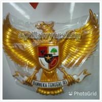 Patung pajangan Burung Garuda Fiber plat kuningan emas DISTRIBUTOR
