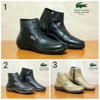 Sepatu Boots Crocodile Zipper