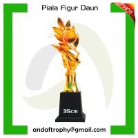 Piala/Trophy Figur Daun