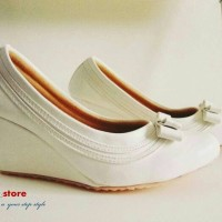 Wedges | WOS-PD-04 Putih | D2store