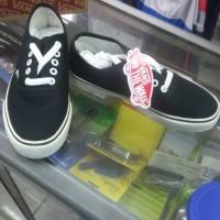 Sepatu Vans Authentic California Black/white ukuran 36-43