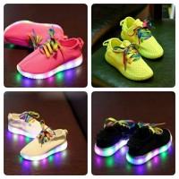 Jual Sz.26-30 Sepatu Anak Yeezy Lampu LED Murah