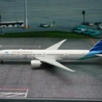 Miniatur Diecast Pesawat Garuda Indonesia Boeing B777-300ER Medium