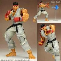 Play Arts Street Fighter Ryu