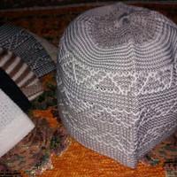 CUCI GUDANG peci rajut muslim crown /kopiah rajut / oleh oleh haji dan