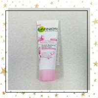 Garnier Sakura White Pinkish Radiant Gentle Foam