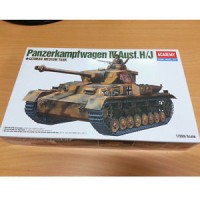 Academy 1/35 Panzerkampfwagen IV Ausf. H/J German Medium Tank 13234 NI