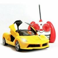 Rc Mobil Ferrari Skala 1:24 Pintu dibuka Tutup Dari Remot