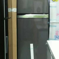 Lemari es Panasonic dua pintu NR-B348F