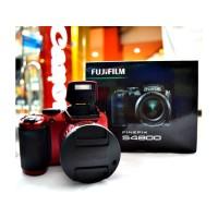 FujiFilm FinePix S4800 (Resmi : PT Fujifilm Indonesia)