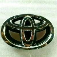 Emblem Logo Toyota Grill Depan Grand Innova(2012-2014)Original