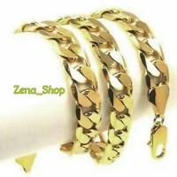Kalung Pria Macho Titanium Gold Anti Karat Lapis Emas 316 L