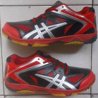 sepatu badminton/bulutangkis hitam merah