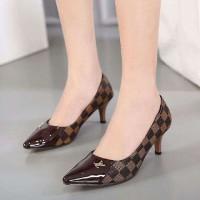 Jual High heels LV SP050  Murah