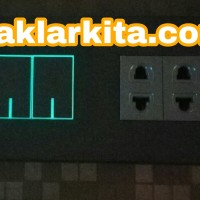 2x Stop Kontak Univ Mini dan Saklar Fluorescence 2 Gg Panasonic Black