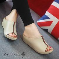 Koleksi shoes wanita terbaru SANDAL WEDGES MR81 CREAM bestseller