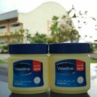 Jual Vaseline petroleum jelly pure 120ml made in arab Murah