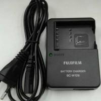 CHARGER FUJIFILM BC-W126 FOR XE1 XE2 XT10 XT20 XT1 XT2 XA1 XA2 XA3 XM1