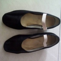 Jual character dance shoes Ting no 22 preloved Murah