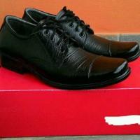 Sepatu pantofel pria kulit bertali