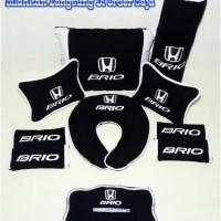 Bantal Aksesoris mobil Honda Brio Variasi