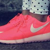 Nike Roshe Run WMNS Hot Punch Pink Sepatu Wanita Sneakers PREMIUM