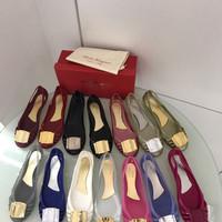 Sepatu Salvatore Ferragamo Jelly Flat Shoes